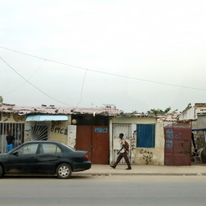 "2011-04-01 Angola, Luanda - the whole city is surrounded by shanty towns, some over 50 years old, called ""musseques"""