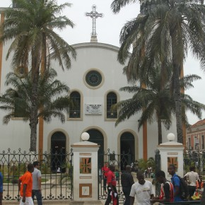 "2011-04-01 Angola, The cathedral ""Igreja de2011-04-01 Angola, Luanda - Like most poo African countries, Angola has an extensive hidden economy which keeps most people fed and clothed. Nossa Senhora dos Remedios"".  Once the center of the old colonial distr"