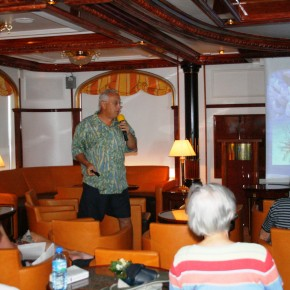 2008-12-23 Sea Cloud II, General  Antigua Roger Luckenbach giving coral talk