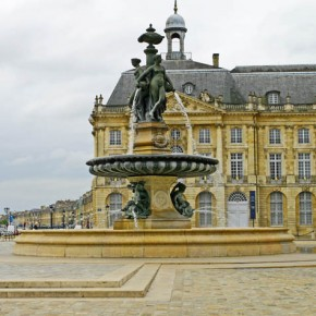 2010-05-04 Bordeaux, France Place de Bourse which is the old square for the stockmarket and for business trade