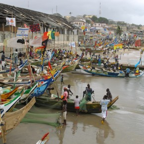 2011-04-10 Ghana, Tokaradi, Cape Coast Castle - fishing village next to the fort