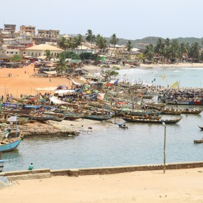 2011-04-10 Ghana, Tokaradi, Elmina Castle - Fishing boats along the shore next to Elmina Fort