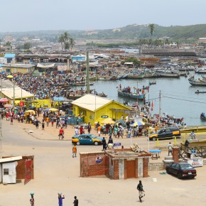 2011-04-10 Ghana, Tokaradi, Elmina Castle - Giant fish market behind Elmina Fort entered by a bay which wraps around the fort
