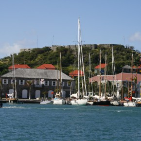 2008-12-26 Gustavia, St. Barts waterfront and fort above