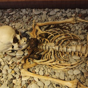 2011-06-20 Sweden Visby Gotland museum burial with robe clasps