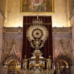 This magnificent altar in the Seville Cathedral is made of gold and silver from the Inca